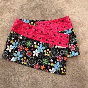 Dresses & Skirts - Like new beautiful flower print reversible skirt